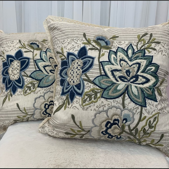 Pier 1 Other - 💗SOLD💗 NWT Bundle Pier One Decor Throw Pillows